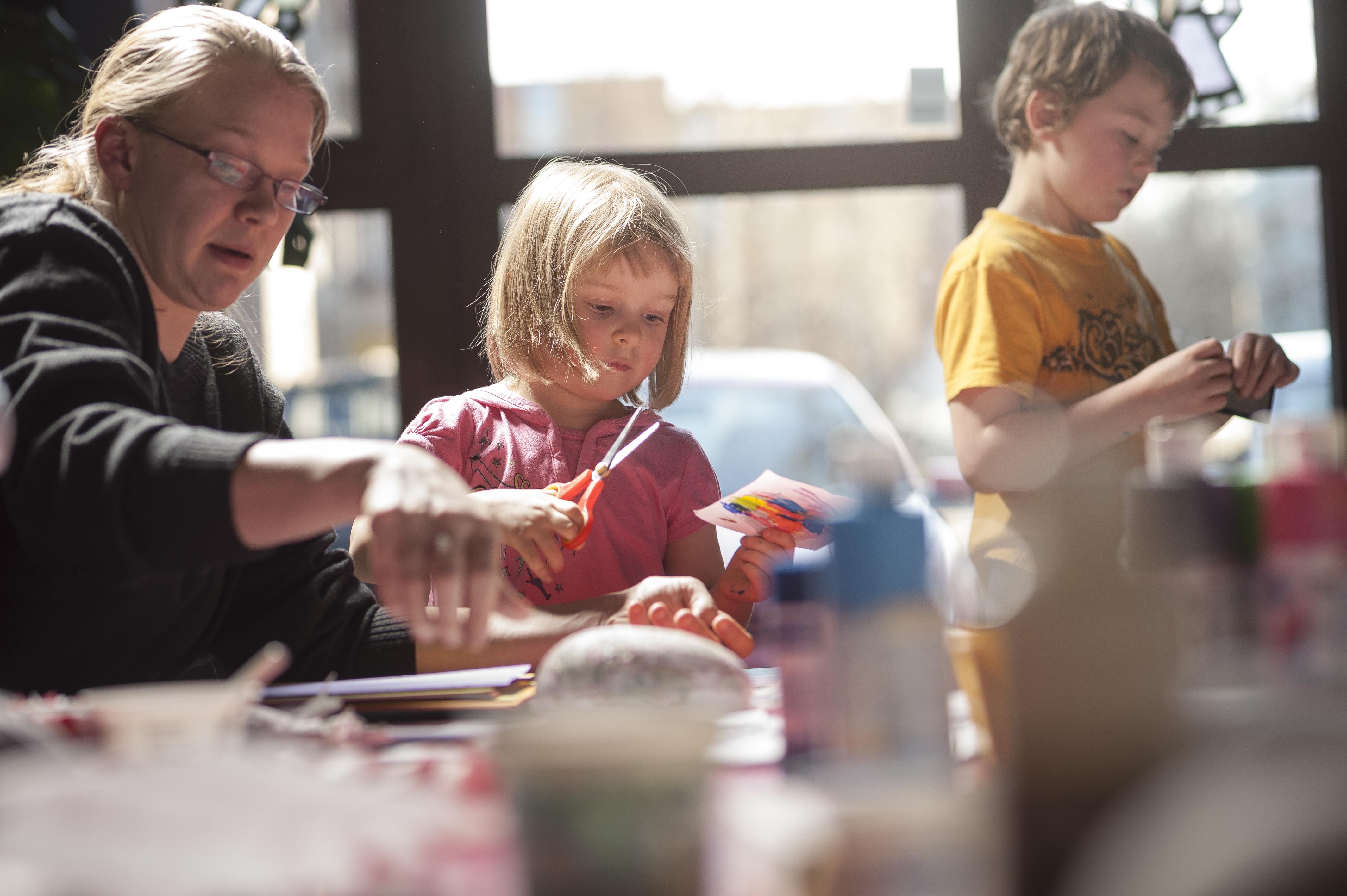 PERUTTU!! Lasten ja perheiden oleiluillat Kulosaaren seurakuntatalolla
